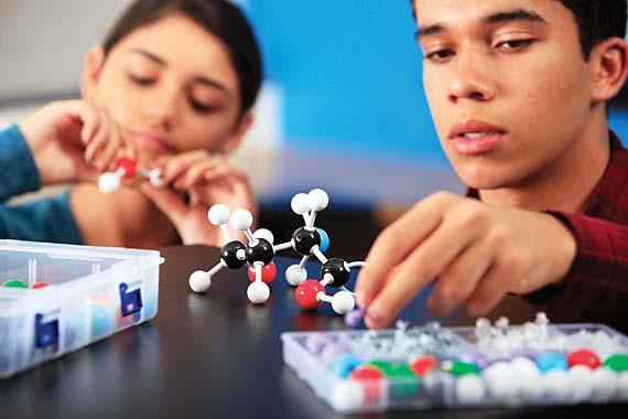 Molekulaarne mudel