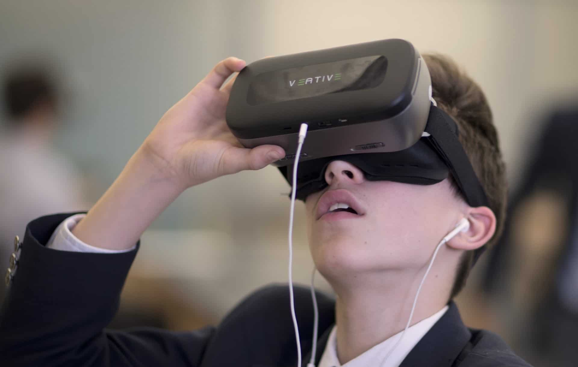 Learning science in immersive VR (virtual reality)
